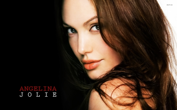 624-angelina-jolie-1920x1200-celebrity-wallpaper