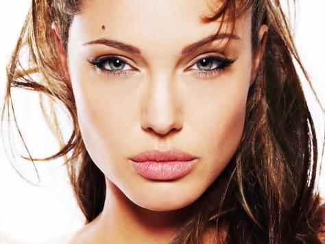 Angelina-angelina-jolie-34942_1600_1200