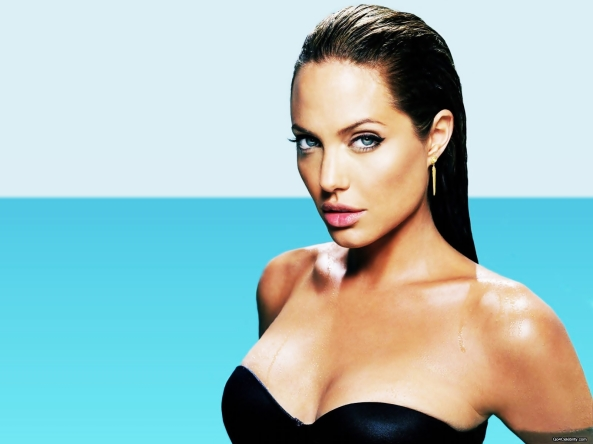Angelina-Jolie-fashion--26-celebrity-65023_1600_1200