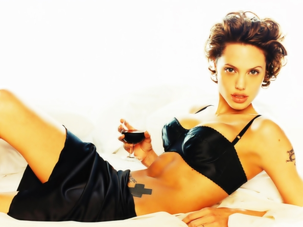 angelina-jolie-wine-in-bed