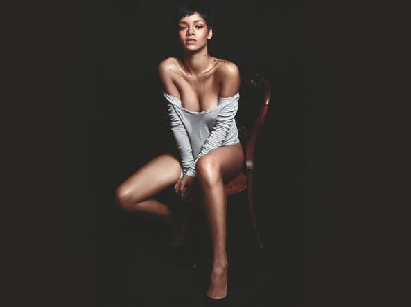 Rihanna-GQ-Sexy-rihanna-32756180-1600-1200