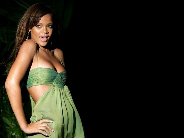 Rihanna Sexy Wallpapers 01