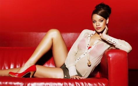Rihanna_sexy__2012_56