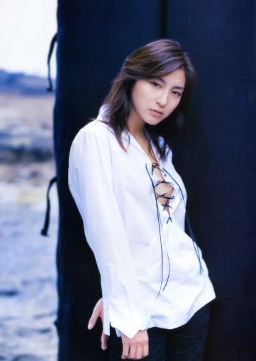 Ryoko Hirosue 06