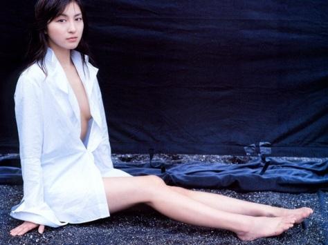 Ryoko Hirosue 07