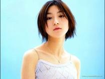 Ryoko Hirosue 13
