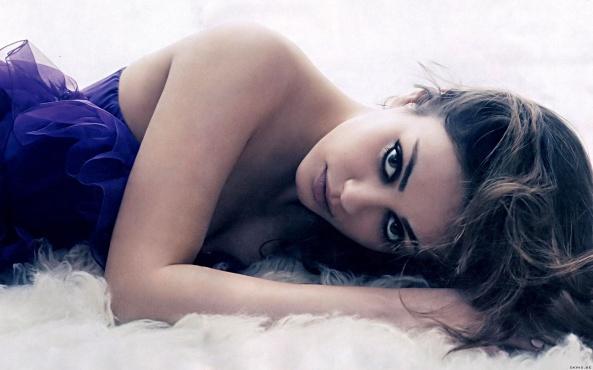 sexy-actress-mila-kunis