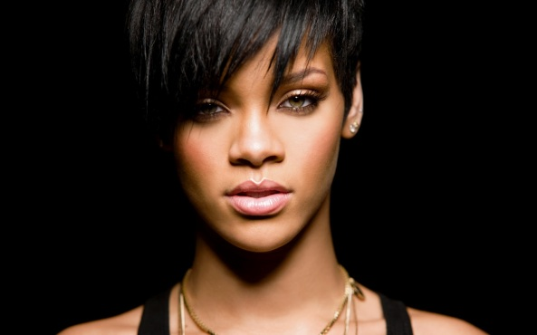 Sexy-rihanna-2012-wallpapers-1oet.com-21