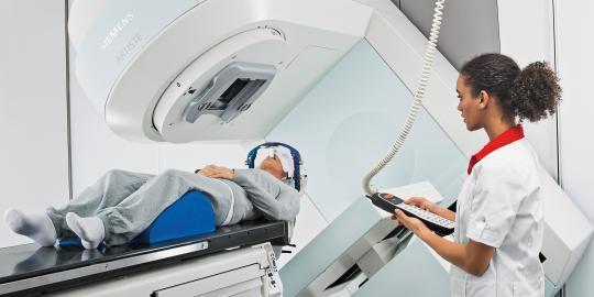 terapi-radiasi-buruk-untuk-kanker-paru-paru