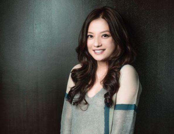 Vicki Zhao 02
