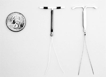 ALAT KB IUD - ParaGard (kiri) dan Mirena (kanan)