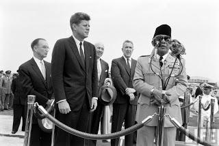 Politik Luar Negeri Bung Karno. Pidato Presiden Soekarno saat Berkunjung ke Amerika Serikat (bersama Presiden John F. Kenndy)