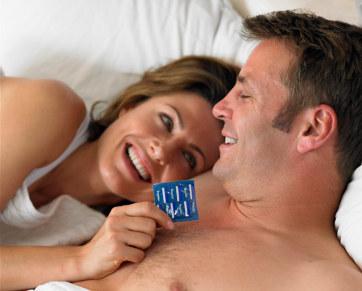 110853_couplecondom362
