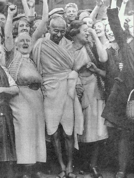 Gandhi with textile workers at Darwen, Lancashire, 26 September 1931.
