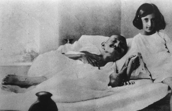 Fasting, with young Indira Gandhi, mid-1920s