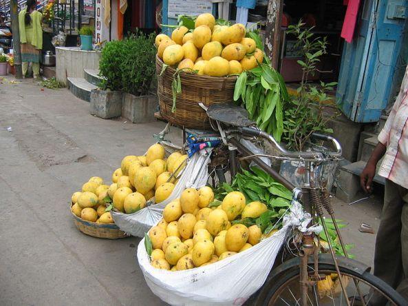 Banganpalli mangoes being sold in Vijayawada, India