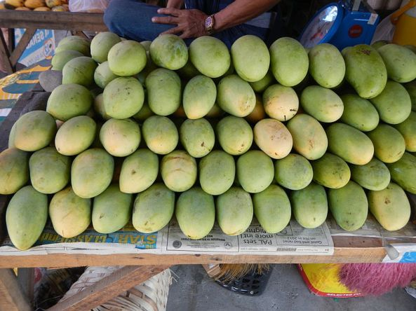 Mangoes being sold in the Philippines