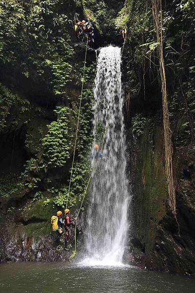 400px-Bali_canyoning