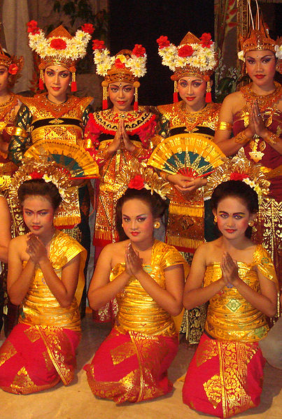 403px-Balinese_dancers