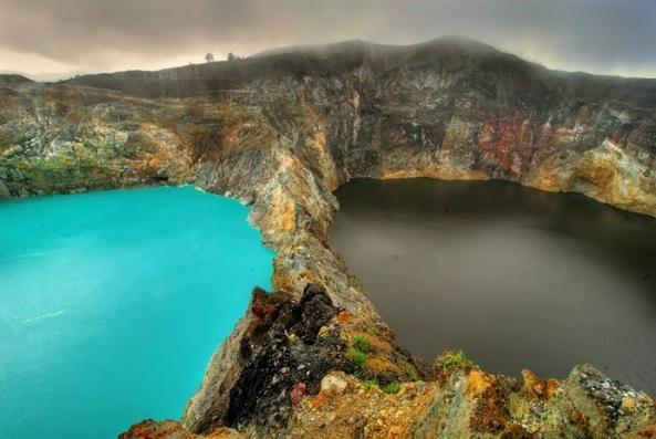 crateres-lac-kelimutu-coueleurs-changent