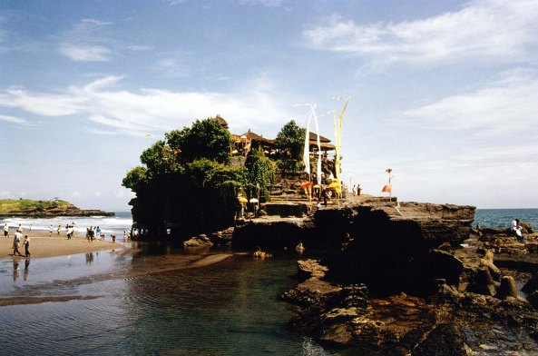 DPS Bali Tanah Lot Temple_b
