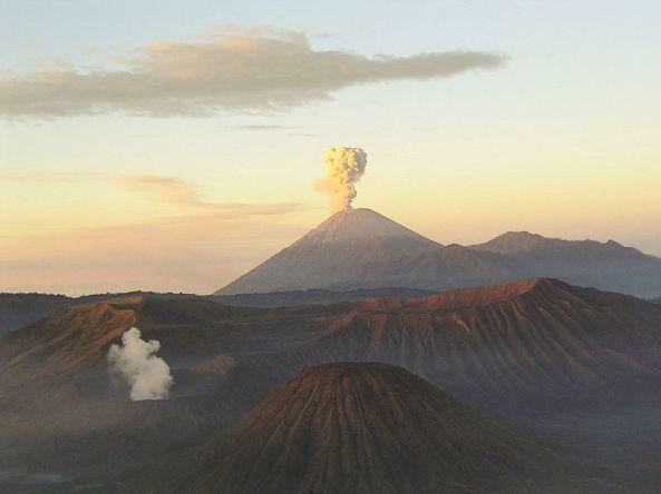 Semeru volcano, July 2004