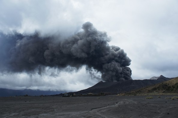 Mount Bromo Eruption 2011 01 22
