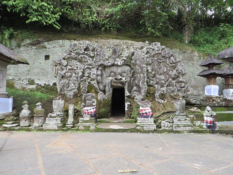 Pintu_Masuk_Goa_Gajah