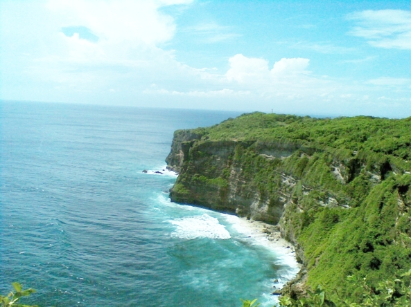 Uluwatu-Temple-cliff