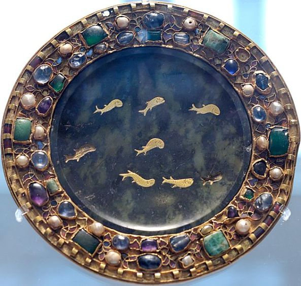 Dish of serpentine with inlaid gold fish, 1st century BCE or CE, with 9th century mounts