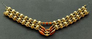 Necklace with gold beads and carnelian beads, Cypriot artwork with Mycenaean inspiration, ca. 1400–1200 BC. From Enkomi. British Museum