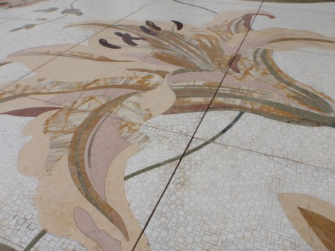 Sheikh Zayed Grand Mosque. An incredibel courtyard floor!