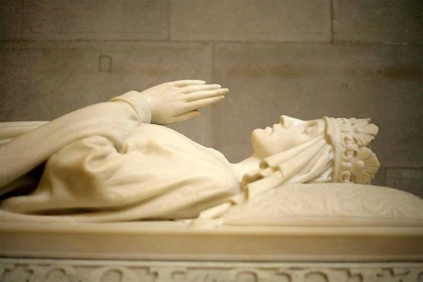 Jadwiga of Poland's sarcophagus by Antoni Madeyski, Wawel Cathedral, Cracow