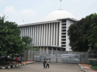 1024px-Istiqlal_Mosque