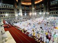 masjid-istiqlal-laksanakan-dua-gelombang-shalat-tarawih-86556