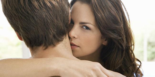9-tips-foreplay-paling-asyik-wajib-coba-malam-ini