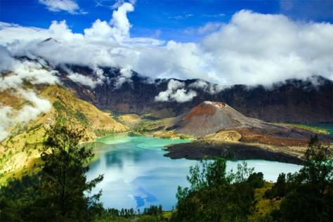 Gunung-Rinjani-Lombok-810x540