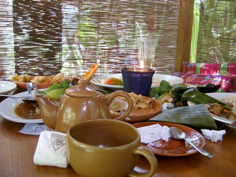 kampung-daun-cafe-bandung