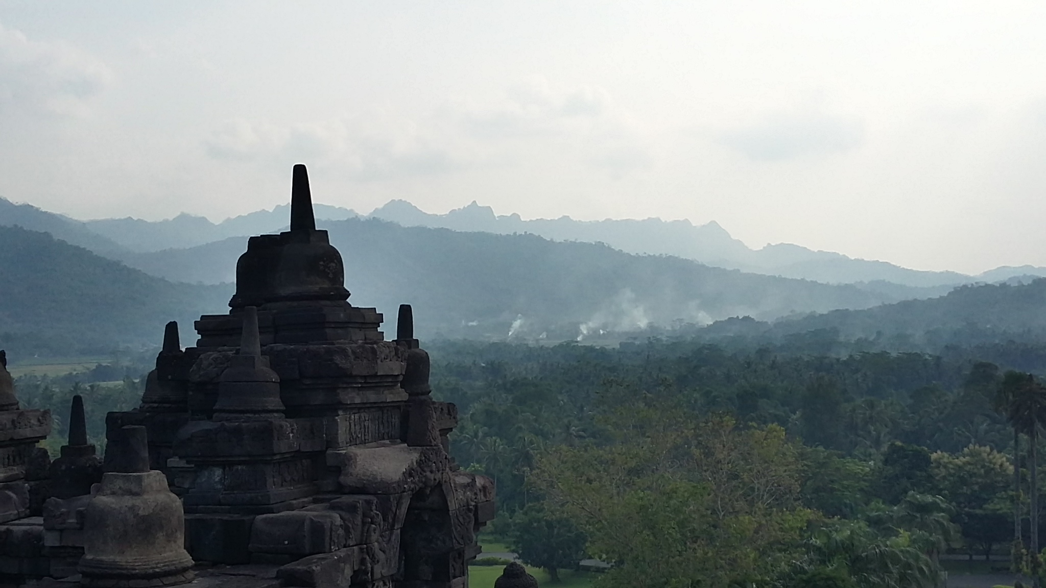 mountains_in_magelang_seen_from_borobudur_temple-3