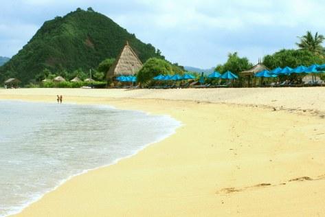 pantai-kuta-lombok-2