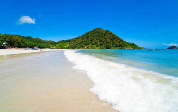 Pantai-Selong-Belanak-di-Lombok