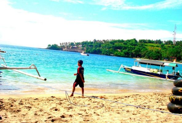 pantai-senggigi-di-lombok-600x408