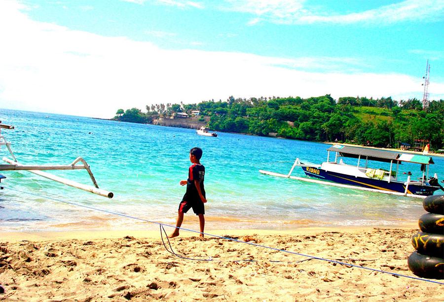 Pantai-Senggigi-di-Lombok