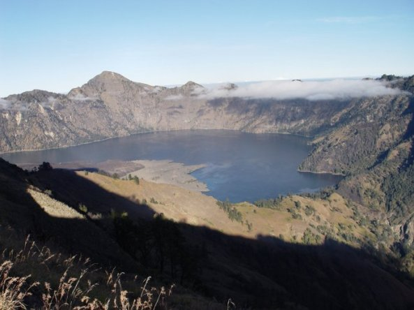 mt_rinjani_and_segara_anak_lake