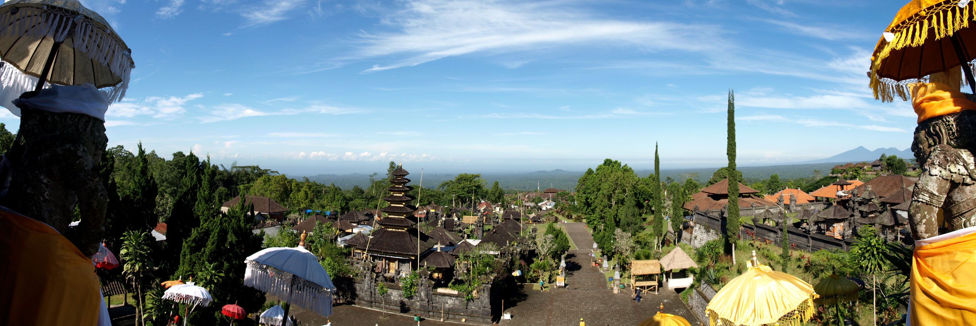 panorama_of_bali_from_besakih_-_mother_temple