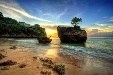 Pantai-Padang-Padang.jpg