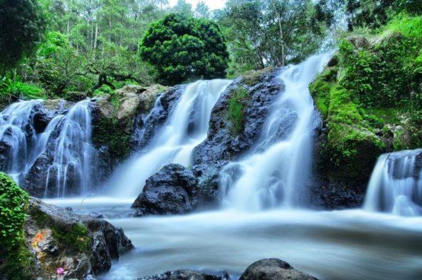 wisata-alam-maribaya-bandung-768x509
