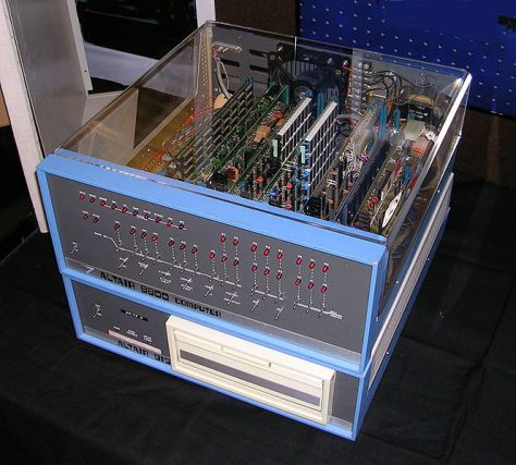 664px-Altair_8800_Computer