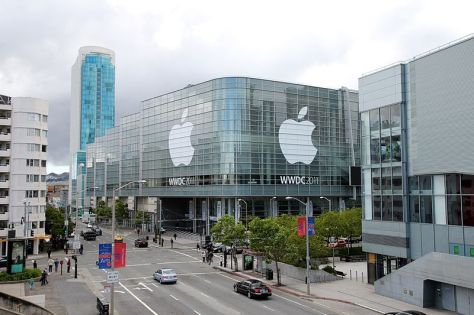 800px-WWDC_2011_Moscone_West_Exterior