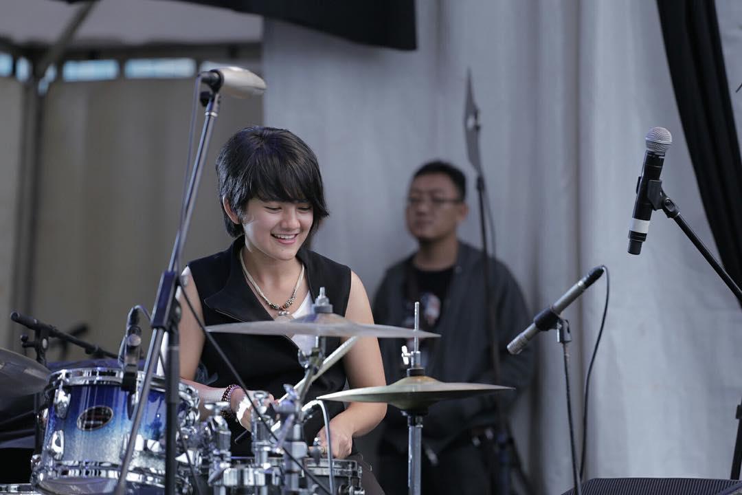 Jeane-Phialsa-di-Tangerang-Selatan-Jazz-Festival-Instagram